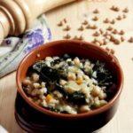 Zuppa di cereali con cavolo nero e ceci