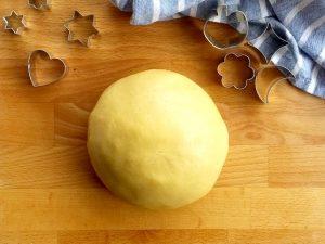 Pasta frolla per crostate: ricetta e trucchi per farla morbida e friabile
