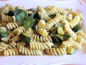 Pasta e zucchine: la ricetta semplice e veloce