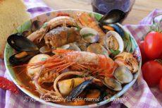 Zuppa di pesce con frutti di mare ricetta facile | Brodetto di pesce saporito