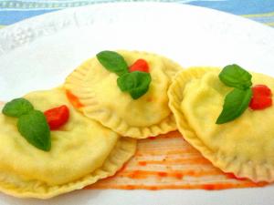 Ravioli di seppie e bufala: ricetta di una variante fresca