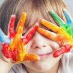 Le 10 strategie educative per coinvolgere il bambino con autismo in classe