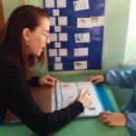 Rimini, a scuola ci sono due bimbi sordi: tutti imparano la lingua dei segni