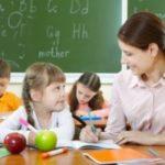 Precariato docenti: estensione contratti al 31/08 e riconoscimento scatti anzianità
