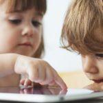 Bambini e Tecnologie: No Agli Smartphone Prima dei 3 Anni!