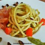 Bucatini con Pesto al Pistacchio Sciara e mortadella