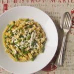Fusilli ai 3 Cereali e Fagiolini in Salsa di Parmigiano Reggiano e Mandorle Profumata alla Salvia