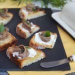 Bruschette burro e alici