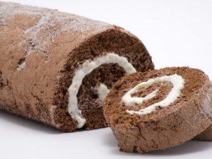 Rotolo al cioccolato bianco: la ricetta del dolce morbido e irresistibile