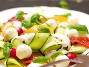 Carpaccio di zucchine: la ricetta del contorno estivo facile e veloce