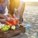 Menù da spiaggia: ecco cosa mangiare sotto l'ombrellone