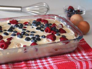 Tiramisù ai frutti di bosco: la ricetta del dolce al cucchiaio fresco