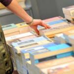 Caro libri: tetti di spesa sforati e testi autoprodotti inesistenti