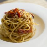 Spaghetti aglio, olio, peperoncino e pomodorini confit