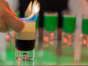 B52: la ricetta e le dosi dello short drink infiammato