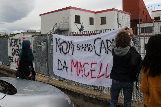 """Abruzzo, nove scuole su dieci a rischio sismico. L'inchiesta de """"Il Centro"""" mette a nudo le promesse della politica. E l'impotenza dei genitori"""