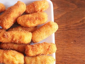 Crocchette di patate al forno: la ricetta dell'antipasto gustoso e leggero