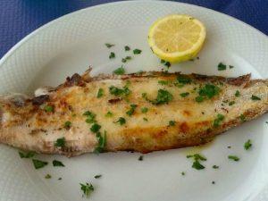 Sogliola al forno: la ricetta del secondo piatto di pesce leggero e profumato
