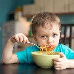 Le Regole d'Oro per Educare i Propri Figli a Stare a Tavola