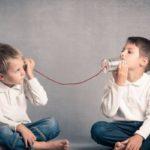 Whatsapp: le chat di classe dei genitori nuocciono ai figli