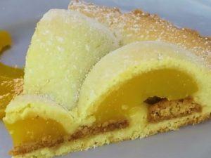 Crostata agli amaretti: la ricetta del dolce goloso dal sapore delicato