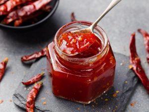 Crema di peperoncini: la ricetta del condimento piccante tipico della Calabria