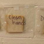 L'Esperimento Rivoltante della Maestra che ha Insegnanto ai Bambini l'Importanza di Lavarsi le Mani