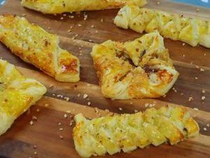 Biscotti con pasta sfoglia: la ricetta dei dolcetti semplici e veloci da preparare