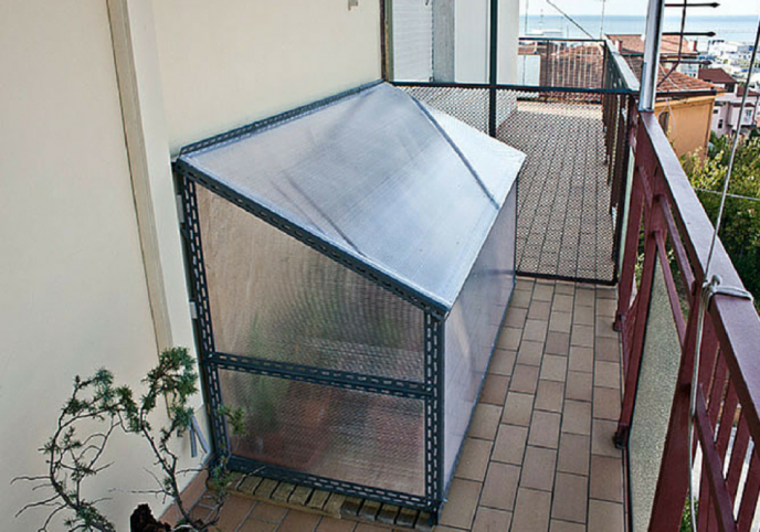 Come costruire una serra fai da te italia4all scuola - Costruire veranda in giardino ...