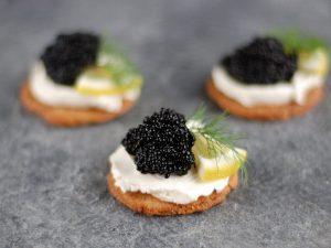 Tartine al caviale: la ricetta dell'antipasto elegante e prelibato