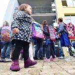 Maestre senza laurea e sciopero l'8 gennaio: bufera sulla scuola