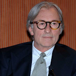 Vittorio Feltri in un editoriale di Libero elogia i maestri elementari