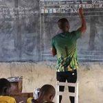Insegnare Informatica Senza Computer, l'Incredibile Impresa di un Prof Ghanese